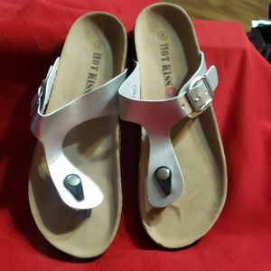 HOT KISS SILVER THONG SANDALS SIZE 8